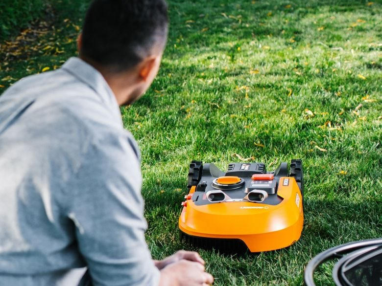 robotic-lawn-mower.jpg