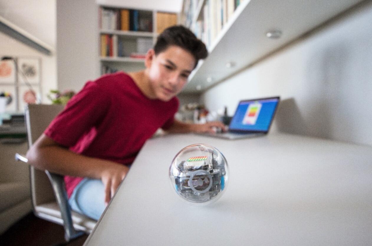 sphero-bolt.jpg
